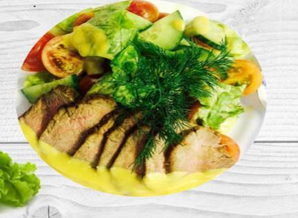 Салат с Ростбифом и овощами